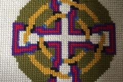 Kneeler embroidery, Kirk Santan